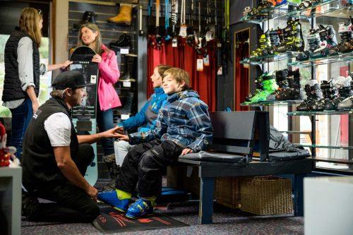 Yogi's Ski and Snowboard